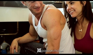 Hd passion-hd - plumber is laying some pipe to cute little client dillion harper