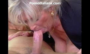 Milf blond acquires beat by muscled man and features - milf di fa scopare dotato