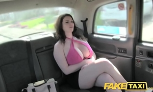 Fake taxi worthwhile large marangos receive drilled and sucked