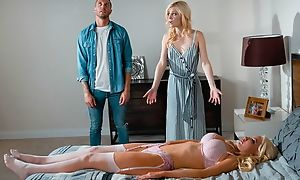 Blonde-haired sex doll fucks pretty chick and then her husband